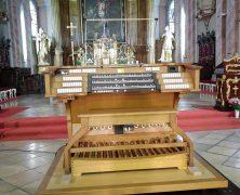 Die Orgel im Temeswarer Dom hat einen neuen Spieltisch