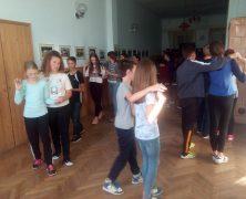 Tanzgruppe Regen