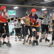 Roller Derby: Rempeln und Stoßen auf Rollen