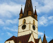 Kirchturm erstrahlt in neuem Glanz