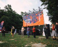 Premiere des Dokumentarfilms #newTogether auf dem Astra Film Festival 2021